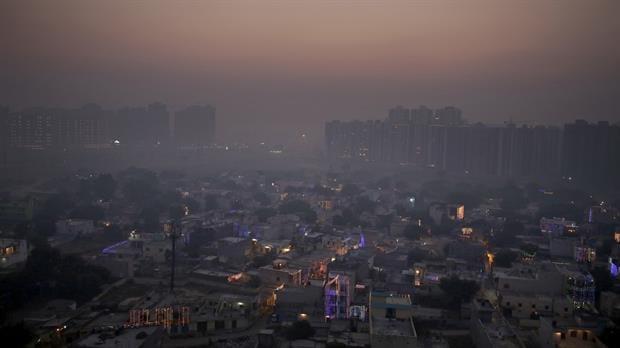 Las afueras de Nueva Dheli, bajo la sombra del smog
