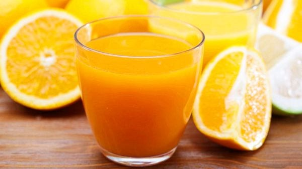 Nuevo estudio afirma que el jugo de naranja reduce el riesgo de padecer demencia