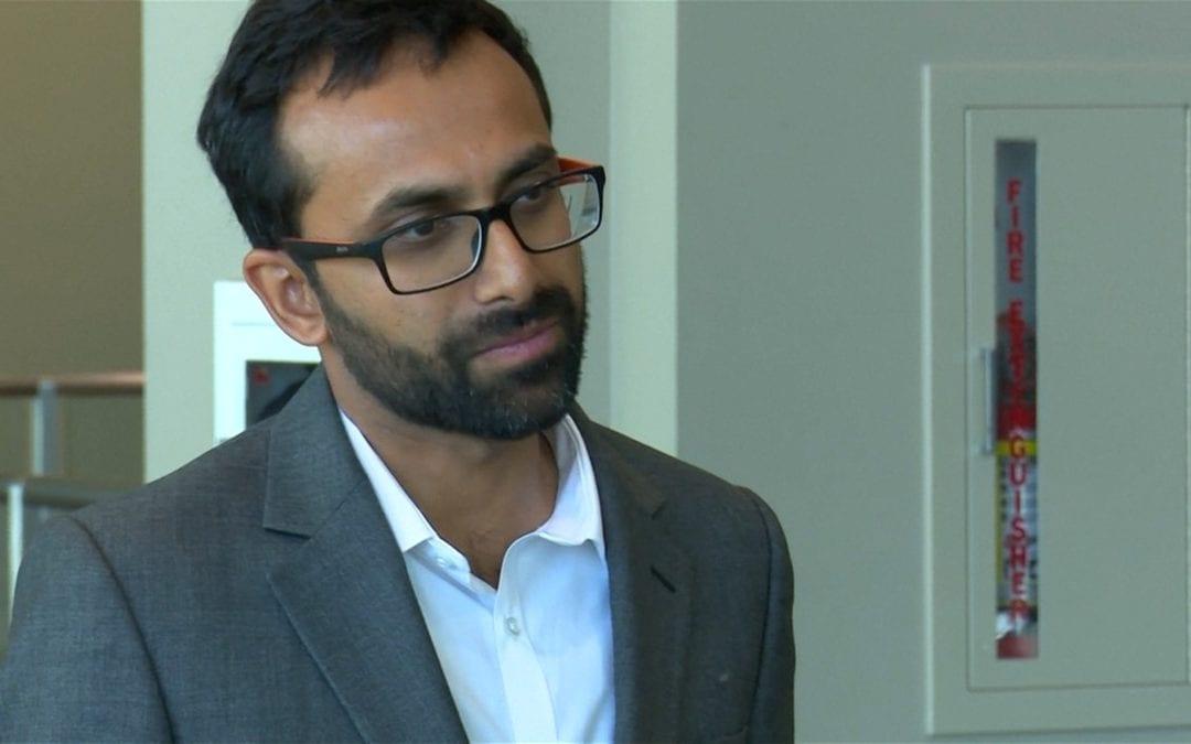 Quién es Ravindra Gupta, el virólogo que logró la remisión en un paciente con VIH por segunda vez en la historia